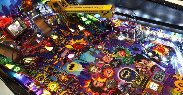 Batman 66 image 9 600x314 - Batman 66 Premium Pinball Machine