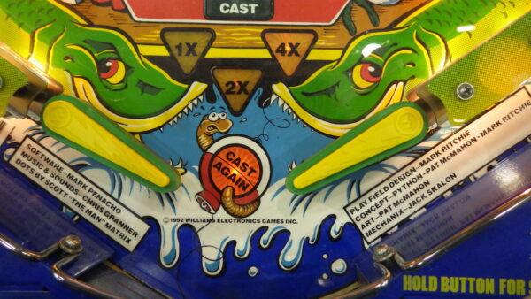 Fish Tales 6 600x338 - Fish Tales Pinball by Williams