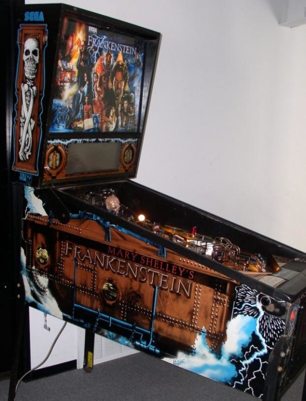 Frankenstien image 2 600x788 - Mary Shelley's Frankenstein Pinball Machine