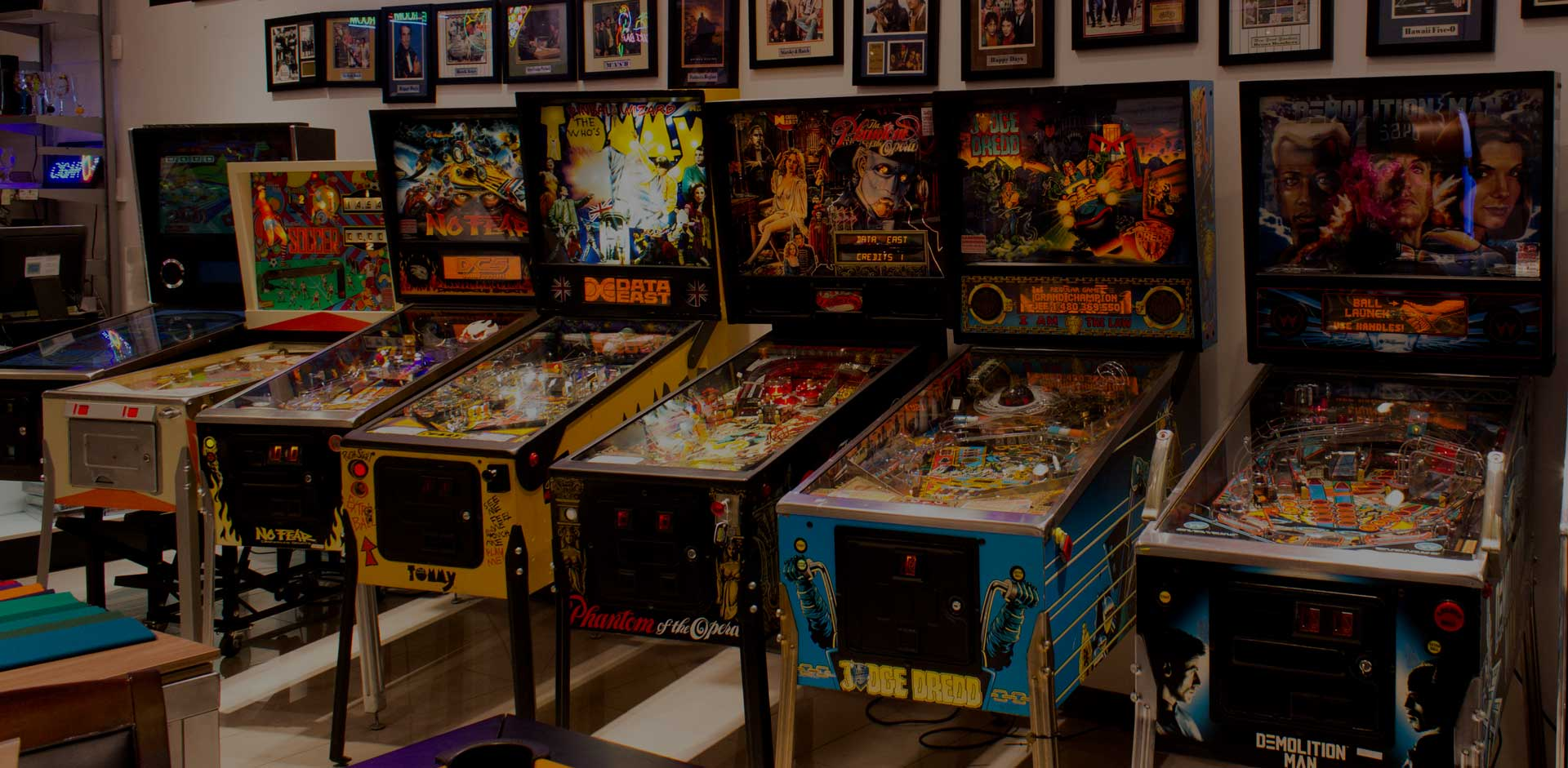 Sarasota-Mall–Retail-Pinball-Row-8x10_MG_2469040118