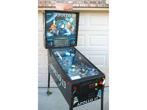 apollo image 6 1 600x450 - Apollo 13 Pinball Machine