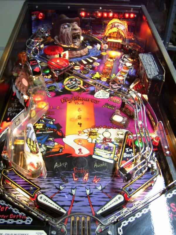 nightmare image 2 600x800 - Freddy: A Nightmare On Elm Street - Pinball Machine