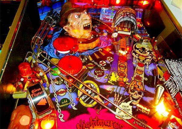 nightmare image 3 600x424 - Freddy: A Nightmare On Elm Street - Pinball Machine