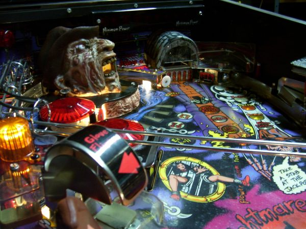 nightmare image 4 600x450 - Freddy: A Nightmare On Elm Street - Pinball Machine