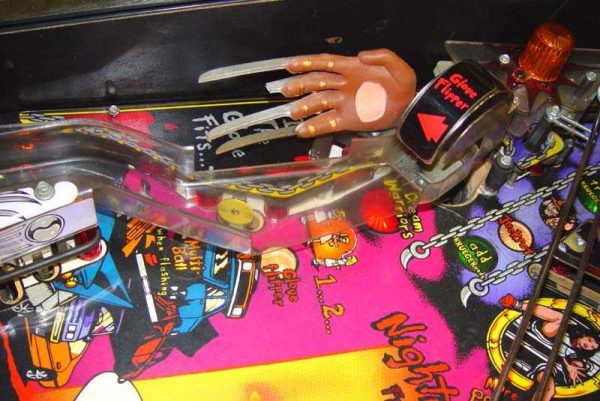nightmare image 5 600x401 - Freddy: A Nightmare On Elm Street - Pinball Machine