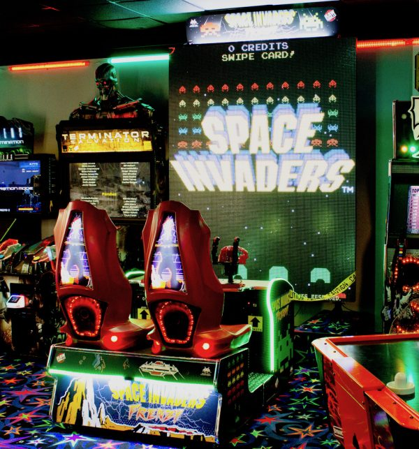 Space Invaders Frenzy Arcade 1 600x643 - Space Invaders Frenzy Arcade