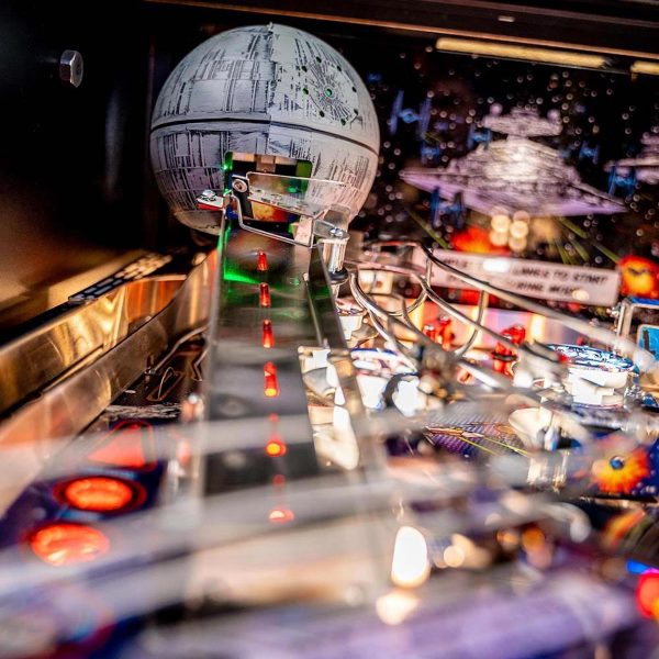 Star Wars PIN Comic Art Pinball Machine 10 600x600 - Star Wars PIN Comic Art Pinball Machine